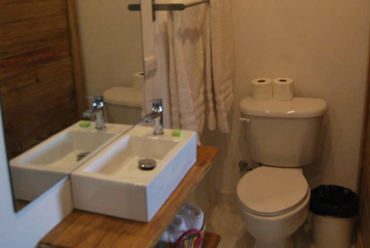 Habitación triple baño DSC_0822